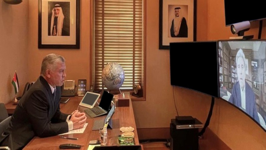الملك يجتمع مع مبعوث الرئيس الأميركي لشؤون المناخ جون كيري