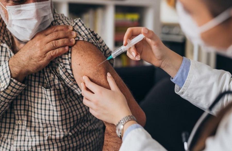 اللقاحات المضادة لفيروس كورونا في المستشفيات الخاصة مجانية