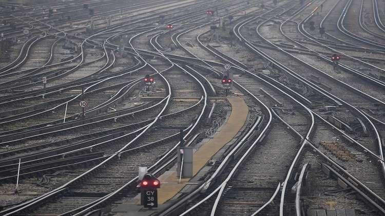 الخصاونة  الحكومة بصدد البدء بمشاريع خصوصا السكك الحديدة