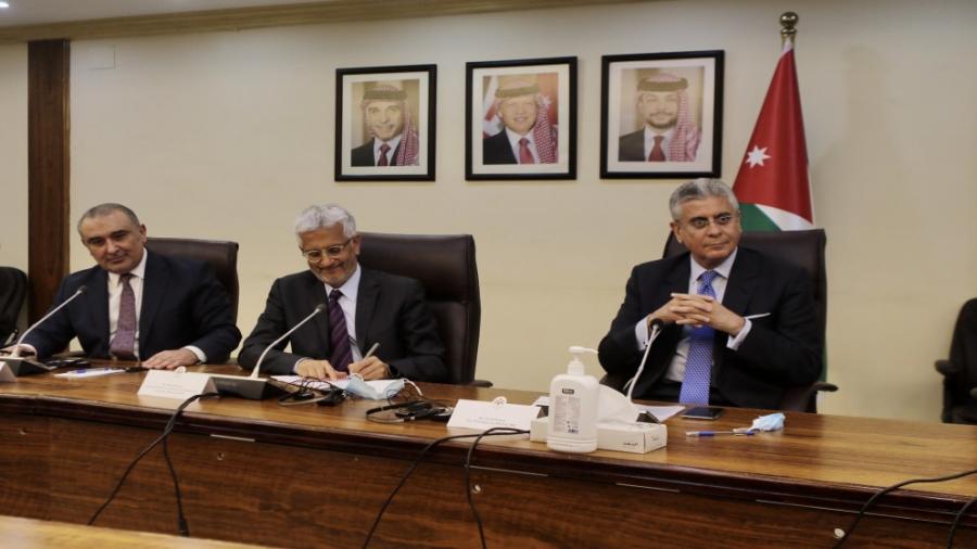الشريدة  الحكومة  اتفقت مع البنك الدولي على توقيع اتفاقيات بقيمة 11 مليار دولار