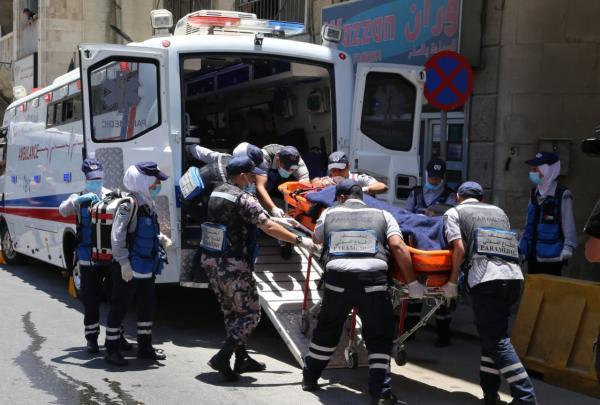 وفاة زوجين واصابة طفلتهما بحادث تصادم على طريق النقب