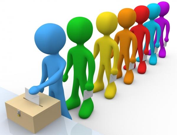 لجنة الانتخاب في اللجنة الملكية توافق على خفض سن الترشح وعتبة في قانون الانتخاب