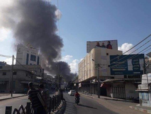 وفاة شخص وإصابة 10 في انفجار بسوق الزاوية في غزة