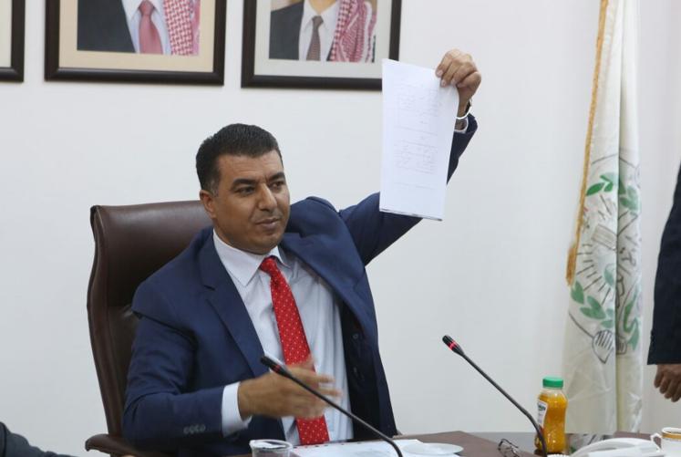 وزير الزراعة  فساد بـ 40مليون دينار سنوياً في توزيع حصص الاعلاف على المزارعين-تفاصيل