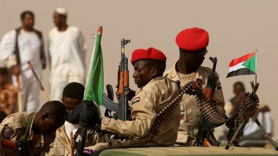 تعرف على اللواء بكراوي المتهم بفيادة الانقلاب الفاشل في السودان - صورة